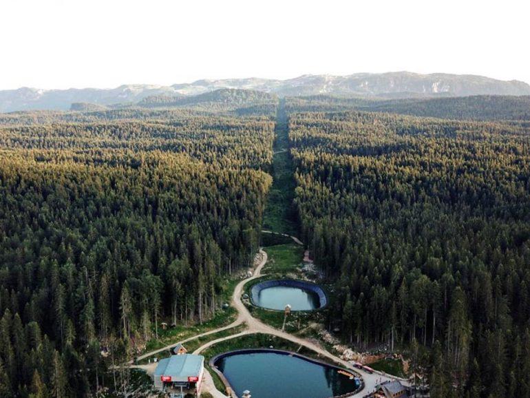 ravna-planina-pale-ljeto-gondola-jezero-priroda (1)