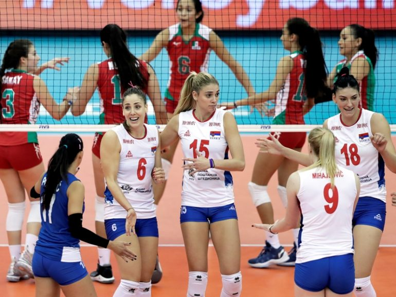 epa07075517 Serbian players celebrate a point during the FIVB Women's World Championship second round Pool E match between Mexico and Serbia in Nagoya, central Japan, 07 October 2018.  EPA-EFE/KIYOSHI OTA
